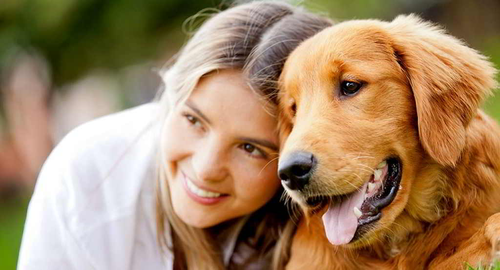 felice con cane